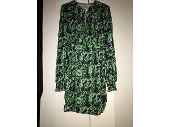 NY klänning från Ellos! Storlek 36, BILLIGT!! (399854751) ᐈ