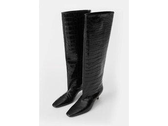Toteme Wide shaft boots i storlek 40