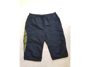 SOC stadium svarta shorts storlek medium
