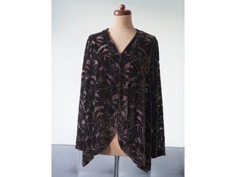 95205838ab3e Katrin Uri sammet silke skjorta blus kofta blommor silk velvet romantisk M L