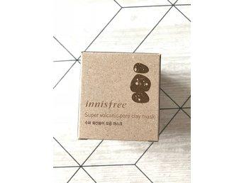 Javascript är inaktiverat. - Grängesberg - En ansiktsmask ifrån innsfree (koreanskt hudvård) som ska göra porerna mindre synliga, göra rent huden på djupet & ta bort döda hudceller. - Grängesberg