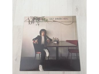 LEO SAYER - HERE. (NEAR MINT LP)