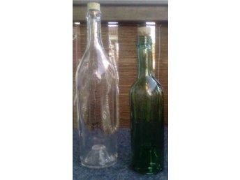 VINTAGE-STIL!Två gamla flaskor med kinnekullebottnar - i klar-/mörkgrönt glas! - Karlskoga - VINTAGE-STIL!Två gamla flaskor med kinnekullebottnar - i klar-/mörkgrönt glas! - Karlskoga