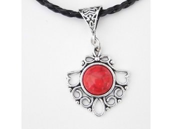 Röd Halsband / Red Necklace