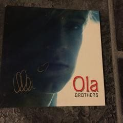 OLA - BROTHERS. (CDs) SIGNERAD.