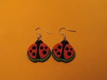 Nyckelpiga örhängen / Ladybird earrings