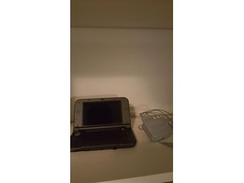 Nintendo 3ds XL black + laddare!