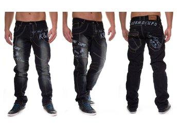 Javascript är inaktiverat. - Västerås - ny kosmo jeans ny!!! 100% bomull storlek w 32/ l 32 media W ca 84 cm , längd ca 106 cm frakt via schenker är 59 kr eller avhämting ! kolla på mina andra auktioner ! - Västerås