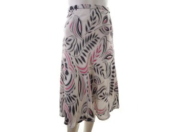 Vintage XXL size Skirt flowers black pink viscose 100% cream