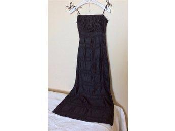 0413b0af6b36 Ny festklänning H&M svart gala långklänning max.. (356073917) ᐈ Köp på  Tradera