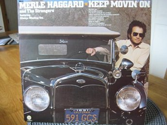 "LP: MERLE HAGGARD & THE STRANGERS: "" KEEP MOVIN' ON ""  1974."