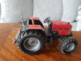 Retro ERTL Traktor Massey Furguson 3050 Made in England