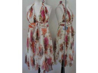 Vacker blommig chiffong halterneck klänning frå.. (272841385