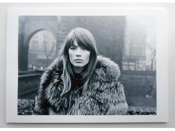 FRANÇOISE HARDY - Piazza Sant'Ambrogio, Milano 1969 - *A4*-print NME!