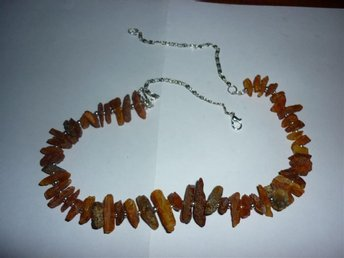 Halsband av äkta råa bärnsten bitar 55cm ( 31+24) 22gram - Flen - Halsband av äkta råa bärnsten bitar 55cm ( 31+24) 22gram - Flen