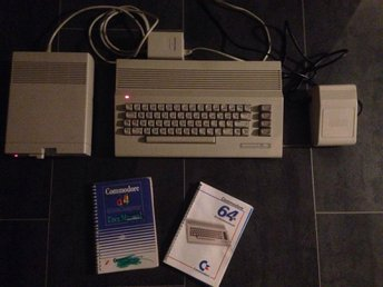 Commodore 64 med diskettstation