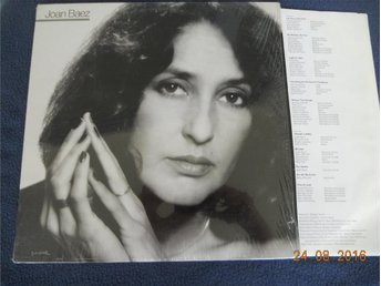 JOAN BAEZ - Honest Lullaby, LP Portrait USA 1979