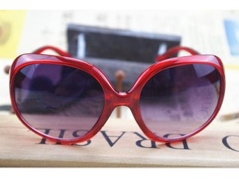 (SKU00148)1ST Retro Women Oversized Designer Sunglasses(Red)