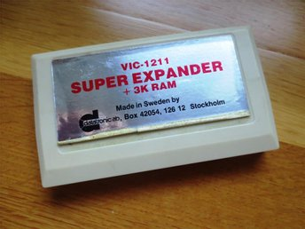 COMMODORE VIC 1211 64 ATARI EXPANDER