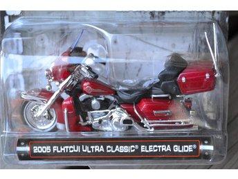 2005 FLHTCUI Ultra Classic Electra 1:24 (Maisto) Logo Harley Motorcykel Ny - Vännäs - 2005 FLHTCUI Ultra Classic Electra 1:24 (Maisto) Logo Harley Motorcykel Ny - Vännäs