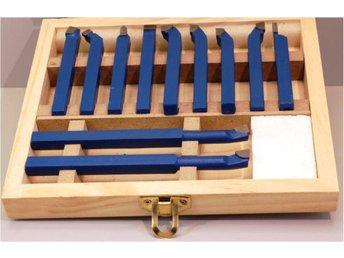 Javascript är inaktiverat. - Degerfors - Svarvstålsats med lödda snabbstålsskär för inn och utvändig beartbetning 11 delar 6x 6mm 8x 8 och 10x 10mm svarvstål finns i vår butik - Degerfors