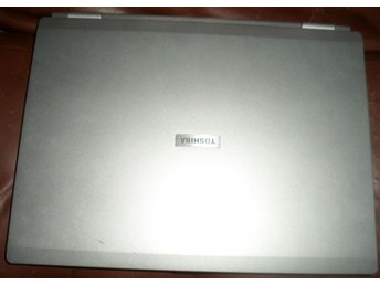 Toshiba Satellite M40-238 model PSM40E(Defekt?) (Reservdelar?)