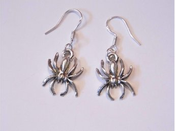 Spindel örhängen / Spider earrings