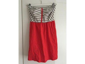 Röd sommar bandeau klänning från Ripcurl, USA strl S - Stockholm - Röd sommar bandeau klänning från Ripcurl, USA strl S - Stockholm