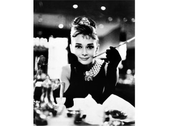 Audrey Hepburn - Breakfast at Tiffanys B/W
