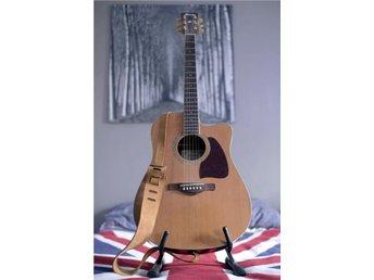 Ibanez stålsträngad akustisk gitarr med mic, band och hållare - örebro - Ibanez stålsträngad akustisk gitarr med mic, band och hållare - örebro