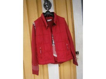 Röd Amica väst samt fin röd tröja till passar 38/40 för bara 100kr frakt - Kristinehamn - Röd Amica väst samt fin röd tröja till passar 38/40 för bara 100kr frakt - Kristinehamn