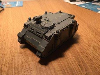 Warhammer 40K - Space Marine Rhino - ihopbyggd och limmad. - Lund - Warhammer 40K - Space Marine Rhino - ihopbyggd och limmad. - Lund