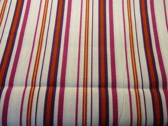 Randigt vackert tygstuv i härliga färger - Kil - Randigt vackert tygstuv i härliga färger - Kil