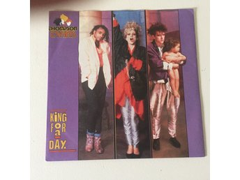 "THOMPSON TWINS - KING FOR A DAY. (7"")"