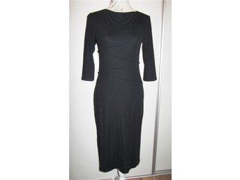 ONLY vacker svart klänning Toppskick stl S - Tumba - ONLY vacker svart klänning Toppskick stl S - Tumba