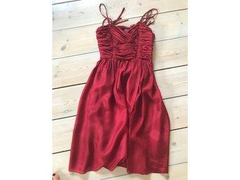 Röd klänning siden fest stl 34-36 spanska hoss .. (335807646) ᐈ Köp ... bc35190f97a9e