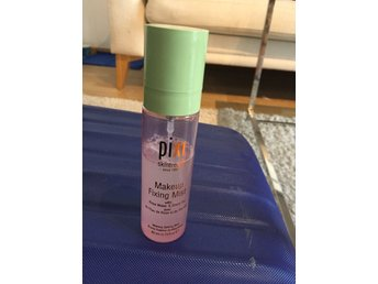 Pixi by Petra makeup fixing mist!