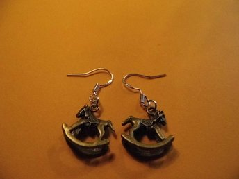 Gunghäst örhängen / Rocking horse earrings