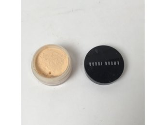 Bobbi Brown, Smink, Svart