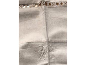2 st vita lakan med monogram (335996042) ᐈ Köp på Tradera 7f225c34e30e3