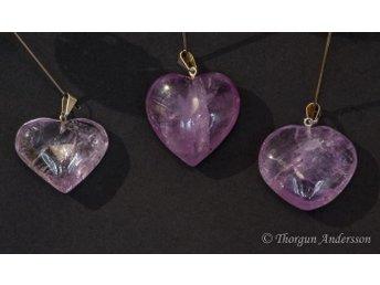 Ametist, kristallhänge med lila hjärta, försilvrat hänge - åkersberga - Ametist, kristallhänge med lila hjärta, försilvrat hänge - åkersberga
