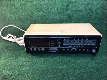 Retro Telefunken  digital 200 Radio & alarm