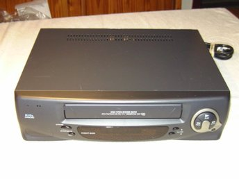 DAEWOO BLUE DIAMOND Q250 VIDEO CASSETTE RECORDER ENLIGT TEXT & BILDER!