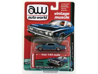 1967 Chevrolet Chevelle SS 1/64 Auto World blå