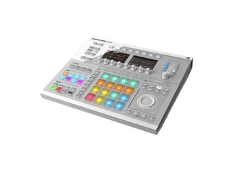 Native Instruments Maschine Studio Drumcomputer