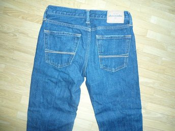 ABERCROMBIE & FITCH  JEANS 146 SUPERSKICK 12 ÅR