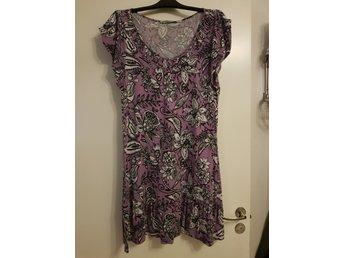 Klädpaket Klänningar 46 48 L XL (372139213) ᐈ Köp på Tradera