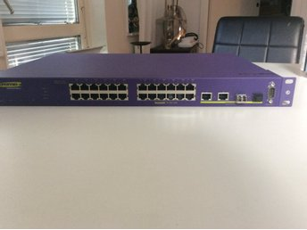 Extreme Networks Summit X150-24t - switch - 24 ports