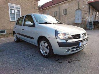 Renault Clio 1.4 16V , 2002, nybytt kamrem, bes till näsan 2018... - Köping - Renault Clio 1.4 16V , 2002, nybytt kamrem, bes till näsan 2018... - Köping