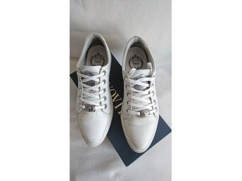 8483d3f832a Vita sneakers från Novita Scorett i storlek 39 .. (353880936) ᐈ Köp ...